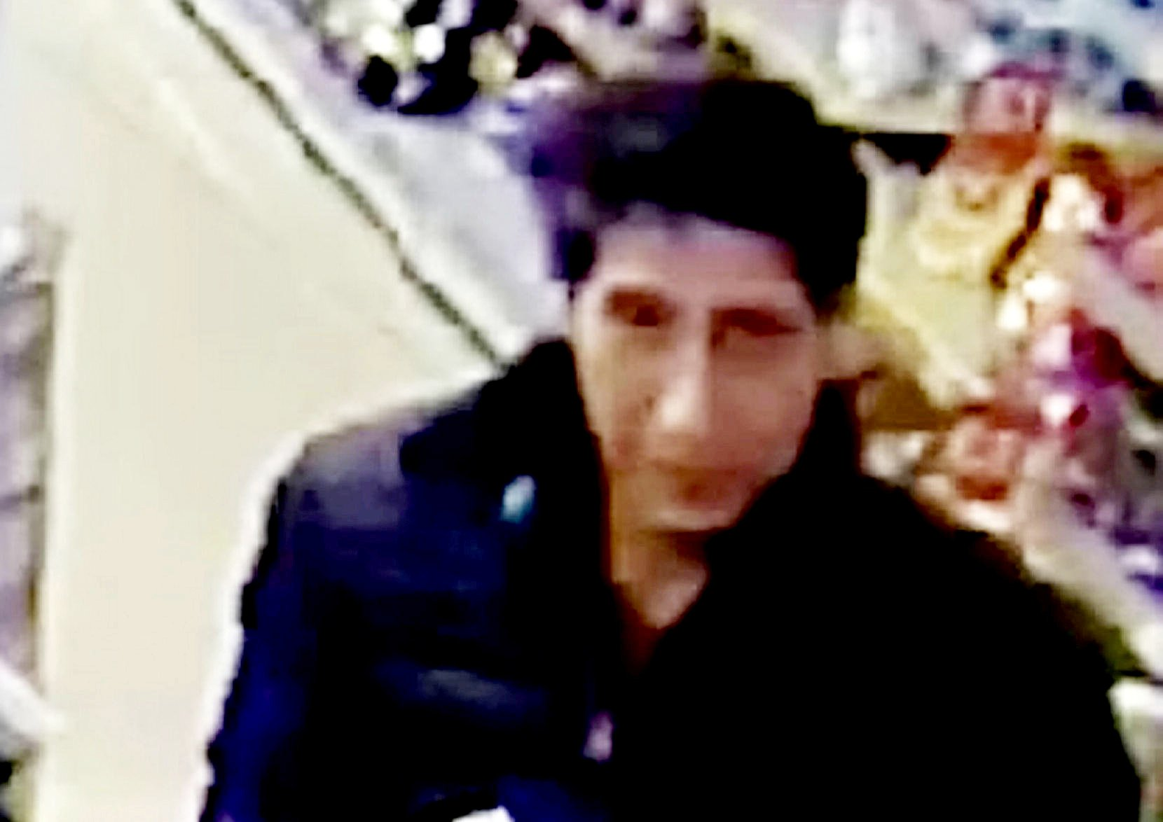 David Schwimmer lookalike arrested for 'stealing cans of lager'