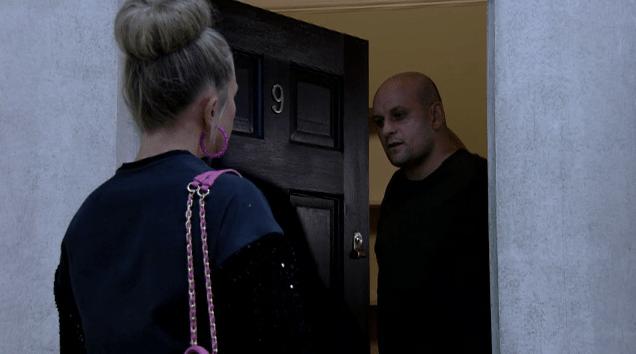 Linda visits Stuart in EastEnders