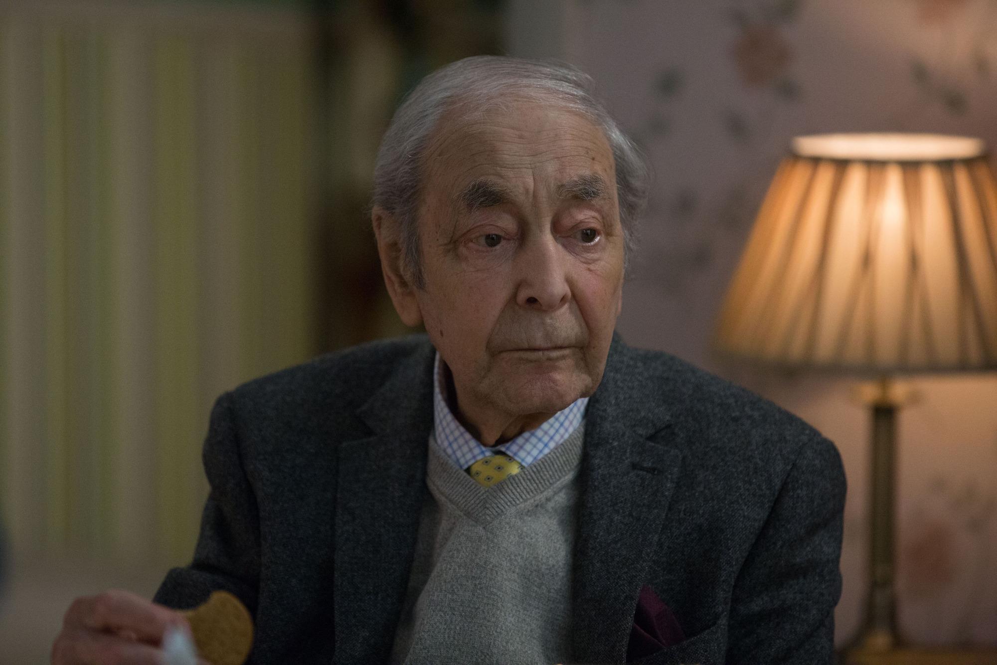 EastEnders spoilers: Dr Legg makes a heartbreaking decision ahead of sad death scenes