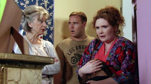 Tyrone talks with Evelyn and Fiz in Coronation Street