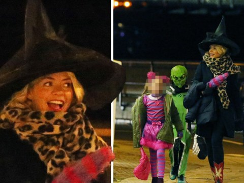 Holly Willoughby squeezes in a quick round of trick or treating before heading to I'm A Celeb