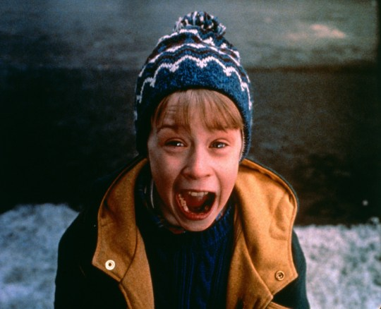 MACAULAY CULKIN Character(s): Kevin McCallister Film 'HOME ALONE 2: LOST IN NEW YORK' (1992) Directed By CHRIS COLUMBUS 15 November 1992 SAM48630 Allstar/20TH CENTURY FOX (USA 1992) **WARNING** This Photograph is for editorial use only and is the copyright of 20TH CENTURY FOX and/or the Photographer assigned by the Film or Production Company & can only be reproduced by publications in conjunction with the promotion of the above Film. A Mandatory Credit To 20TH CENTURY FOX is required. The Photographer should also be credited when known. No commercial use can be granted without written authority from the Film Company.
