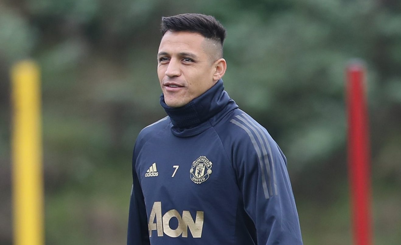 MANCHESTER, ENGLAND - NOVEMBER 06: Alexis Sanchez of Manchester United in action during a first team training session at Aon Training Complex on November 6, 2018 in Manchester, England. (Photo by John Peters/Man Utd via Getty Images)