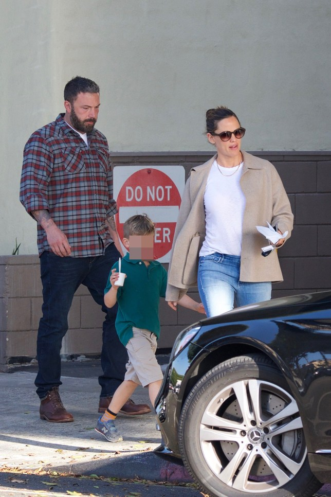 Ben Affleck and Jennifer Garner going together with their son for ice cream ***SPECIAL INSTRUCTIONS*** Please pixelate children's faces before publication.***. 08 Nov 2018 Pictured: Ben Affleck and Jennifer Garner going together with their son Samuel Affleck for ice cream. Photo credit: Dan/MEGA TheMegaAgency.com +1 888 505 6342