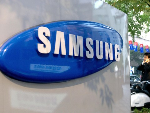 Samsung can't seem to get its staff to stop using iPhones