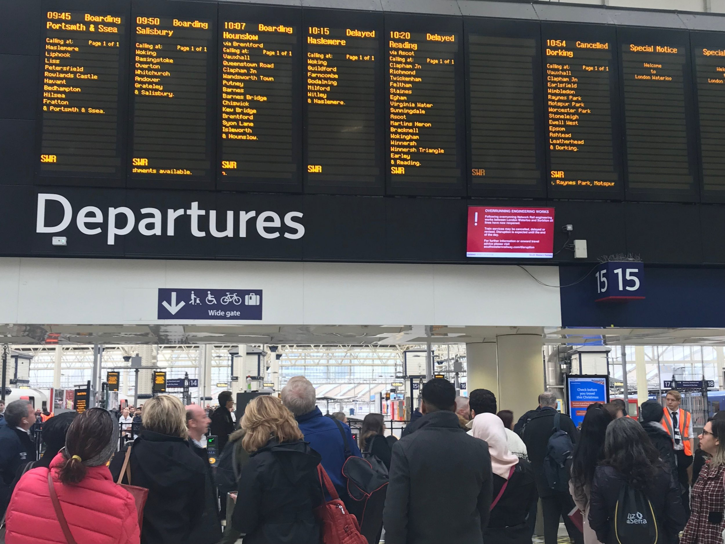 London Waterloo station this morning as passengers on some of the busiest rail routes in the country were warned of cancellations because of over-running engineering works. PRESS ASSOCIATION Photo. Picture date: Monday November 19, 2018. No South Western Railway trains were running between Surbiton and London Waterloo - the UK's busiest railway station. It is the latest disruption to hit SWR following a spate of problems involving signal and points failures. See PA story RAIL Delays. Photo credit should read: Jonathan Brady/PA Wire