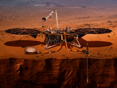 Mysterious midnight 'pulsation trains' detected in the magnetic field of Mars