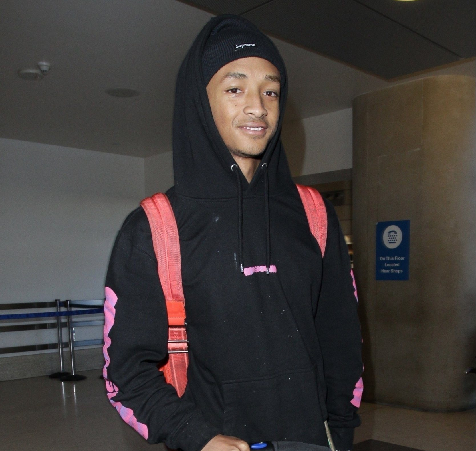 Los Angeles, CA - Jaden Smith shows off a laid back style as he departs LAX. Jaden looks incognito in a black hoodie as he smiles while making his way through the airport on a luggage scooter. Pictured: Jaden Smith BACKGRID USA 25 NOVEMBER 2018 BYLINE MUST READ: GOME / BACKGRID USA: +1 310 798 9111 / usasales@backgrid.com UK: +44 208 344 2007 / uksales@backgrid.com *UK Clients - Pictures Containing Children Please Pixelate Face Prior To Publication*
