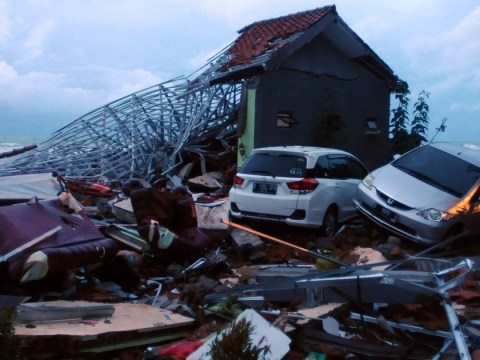 Indonesia hit by earthquake just 24 hours after tsunami