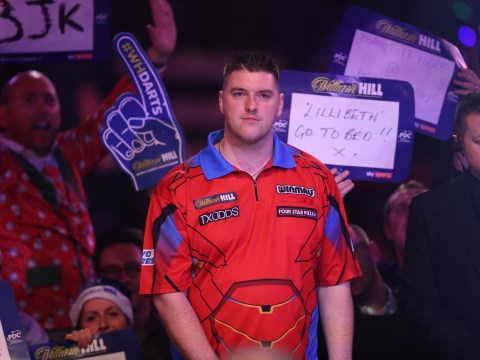 Daryl Gurney hammers Ross Smith in superb start to PDC World Championship campaign