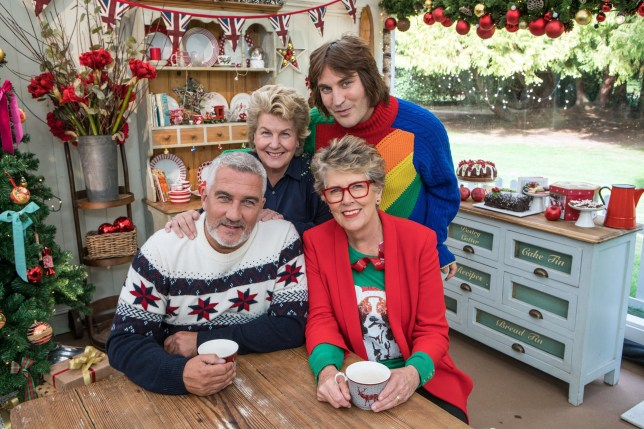 Green Day Christmas.Bake Off Fans Left Puzzled By Sunshine And Green Grass Of