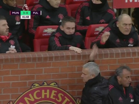 Jose Mourinho high fives Manchester United coaching team after Romelu Lukaku goal
