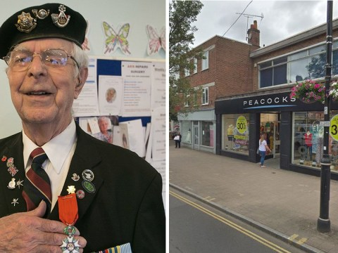 War hero, 94, heartbroken after thieves stole bag full of photos of his late wife