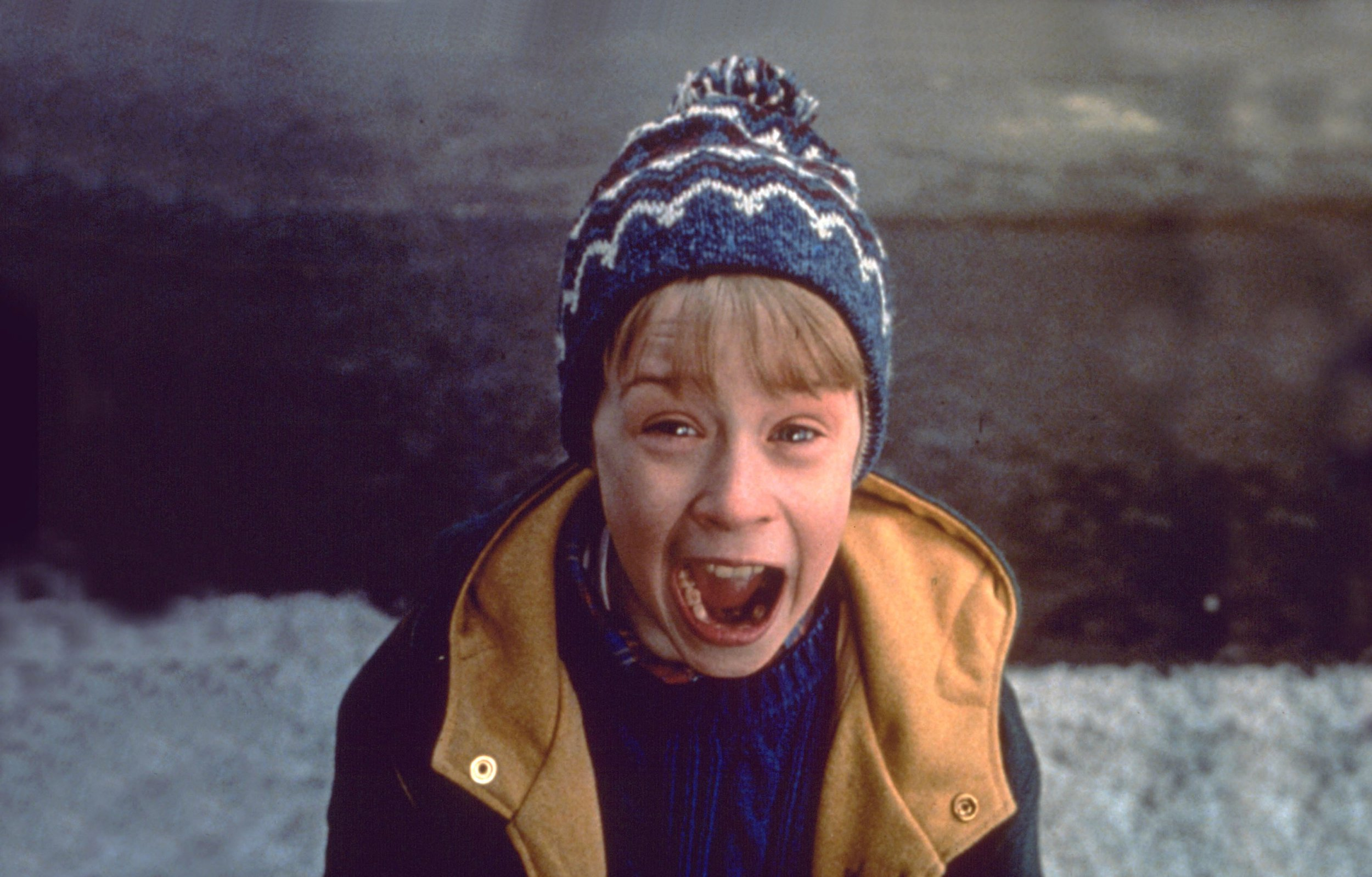 Editorial use only. No book cover usage. Mandatory Credit: Photo by 20th Century Fox/Kobal/REX/Shutterstock (5883418l) Macaulay Culkin Home Alone 2 - Lost In New York - 1992 Director: Chris Columbus 20th Century Fox USA Scene Still Comedy Maman, j'ai encore rat? l'avion