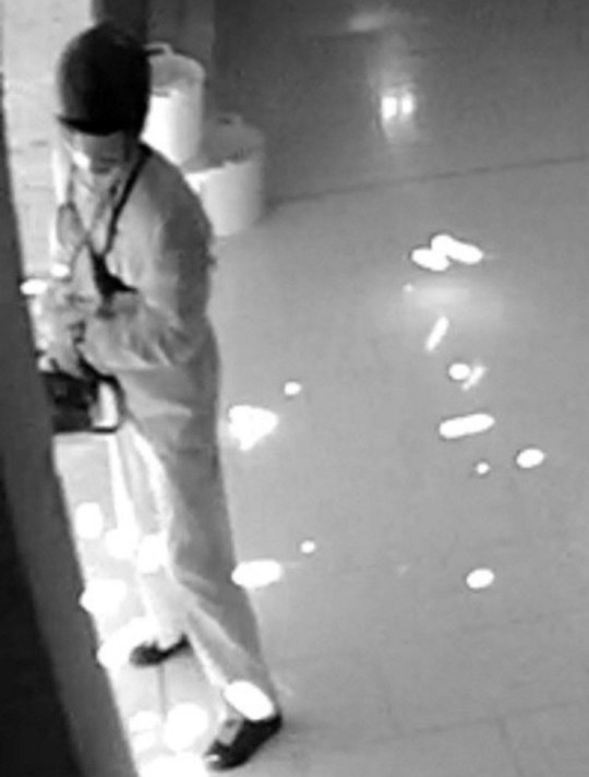 Handout CCTV images dated 20/11/2018 issued by Nottinghamshire Police of three raiders who used specialist diamond cutter tools to steal The Portland Tiara from the Welbeck Estate. PRESS ASSOCIATION Photo. Issue date: Thursday December 6, 2018. The brazen burglars broke into the Portland Collection Gallery and stole a diamond brooch from an armoured glass display as well as the precious item which had been seen by countless members of the public. See PA story POLICE Tiara. Photo credit should read: Nottinghamshire Police/PA Wire NOTE TO EDITORS: This handout photo may only be used in for editorial reporting purposes for the contemporaneous illustration of events, things or the people in the image or facts mentioned in the caption. Reuse of the picture may require further permission from the copyright holder.