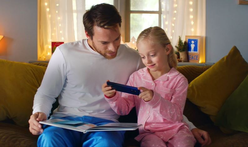StorySign smartphone app transforms reading for millions of deaf children and their families