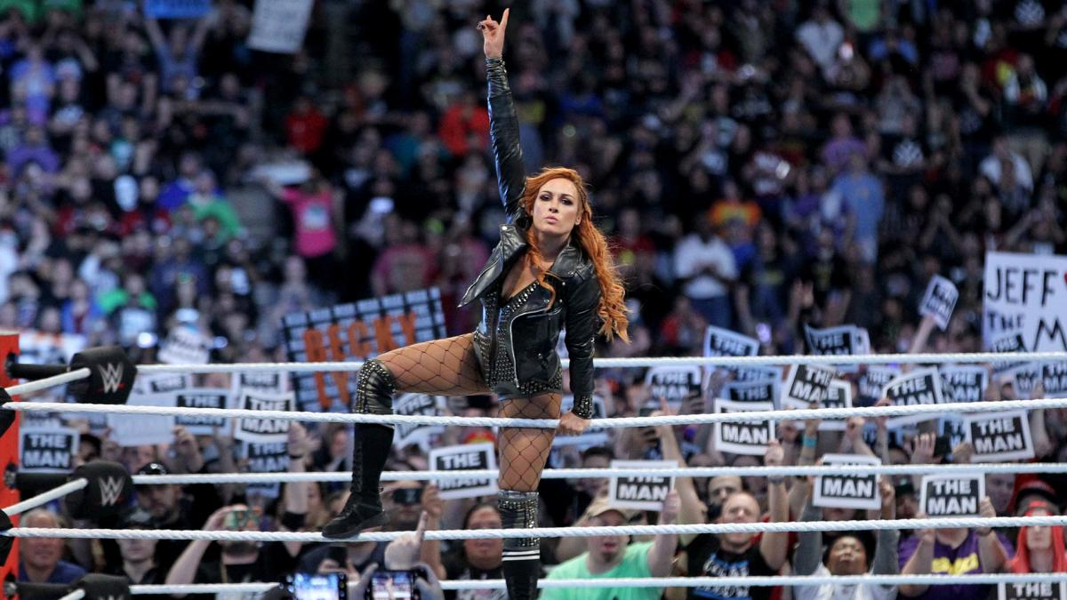 Becky Lynch wins Women's Royal Rumble to save a disappointing match