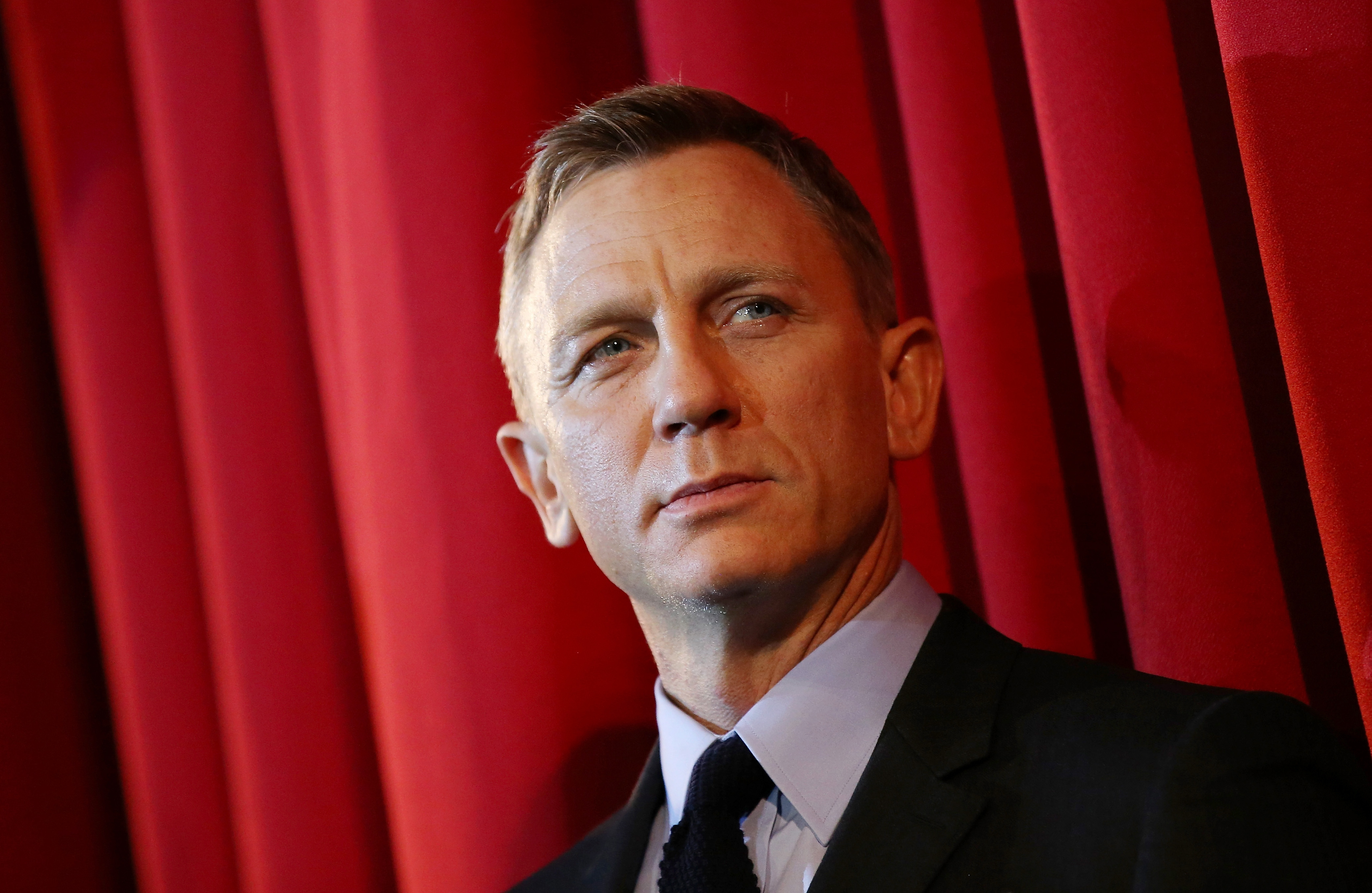 Daniel Craig 'avoids alcohol and unhealthy food' to get into shape for next Bond movie