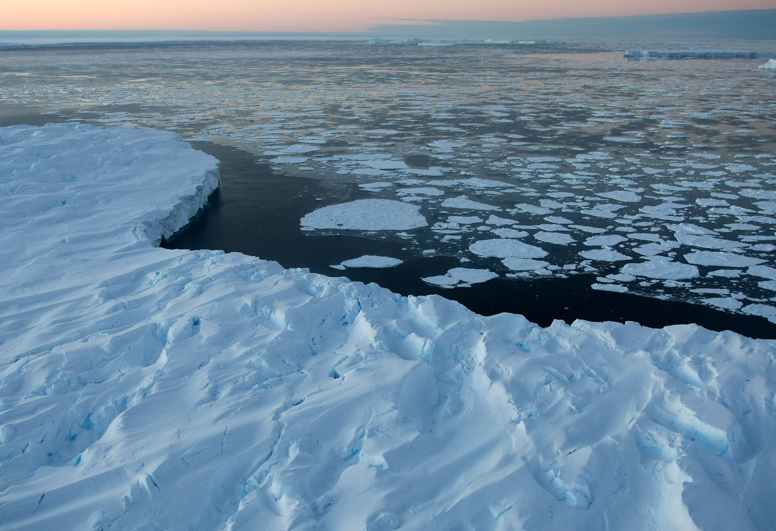 Scientists predict 'catastrophic' consequences of sea levels rising over 2m