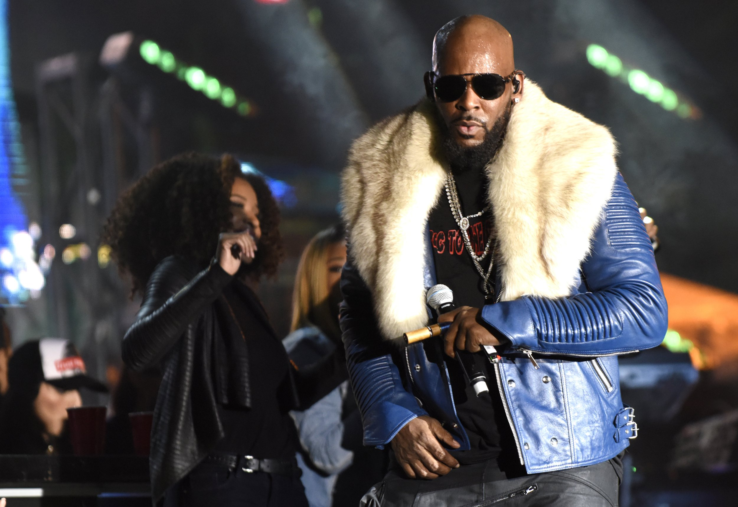SANTA ANA, CA - FEBRUARY 18: R. Kelly performs during Soulquarius 2017 at The Observatory on February 18, 2017 in Santa Ana, California. (Photo by Tim Mosenfelder/WireImage,)
