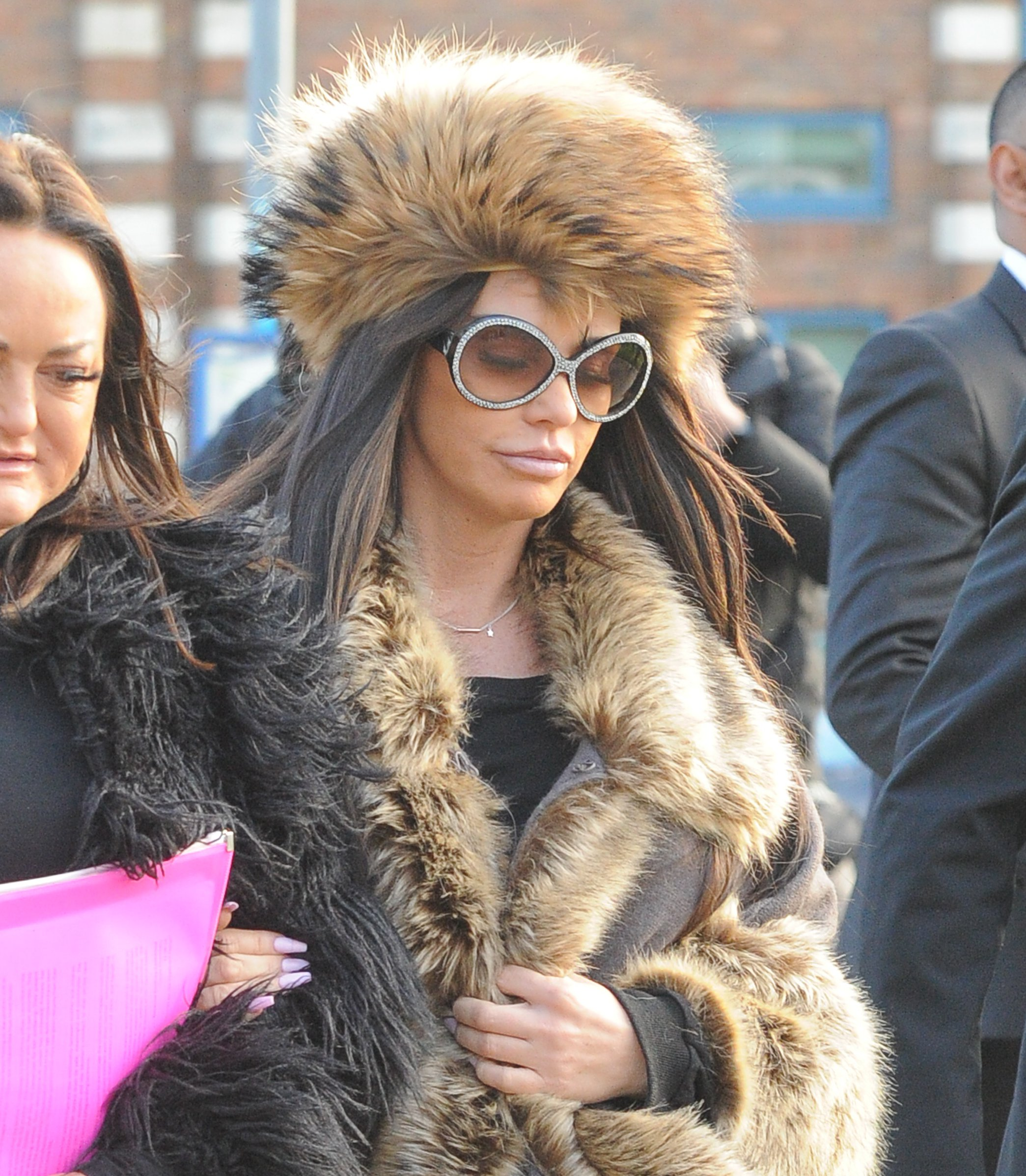 Katie Price arriving at Crawley Magistrates Court Pictured: Katie Price Ref: SPL5054006 090119 NON-EXCLUSIVE Picture by: PALACE LEE / SplashNews.com Splash News and Pictures Los Angeles: 310-821-2666 New York: 212-619-2666 London: 0207 644 7656 Milan: 02 4399 8577 photodesk@splashnews.com World Rights,