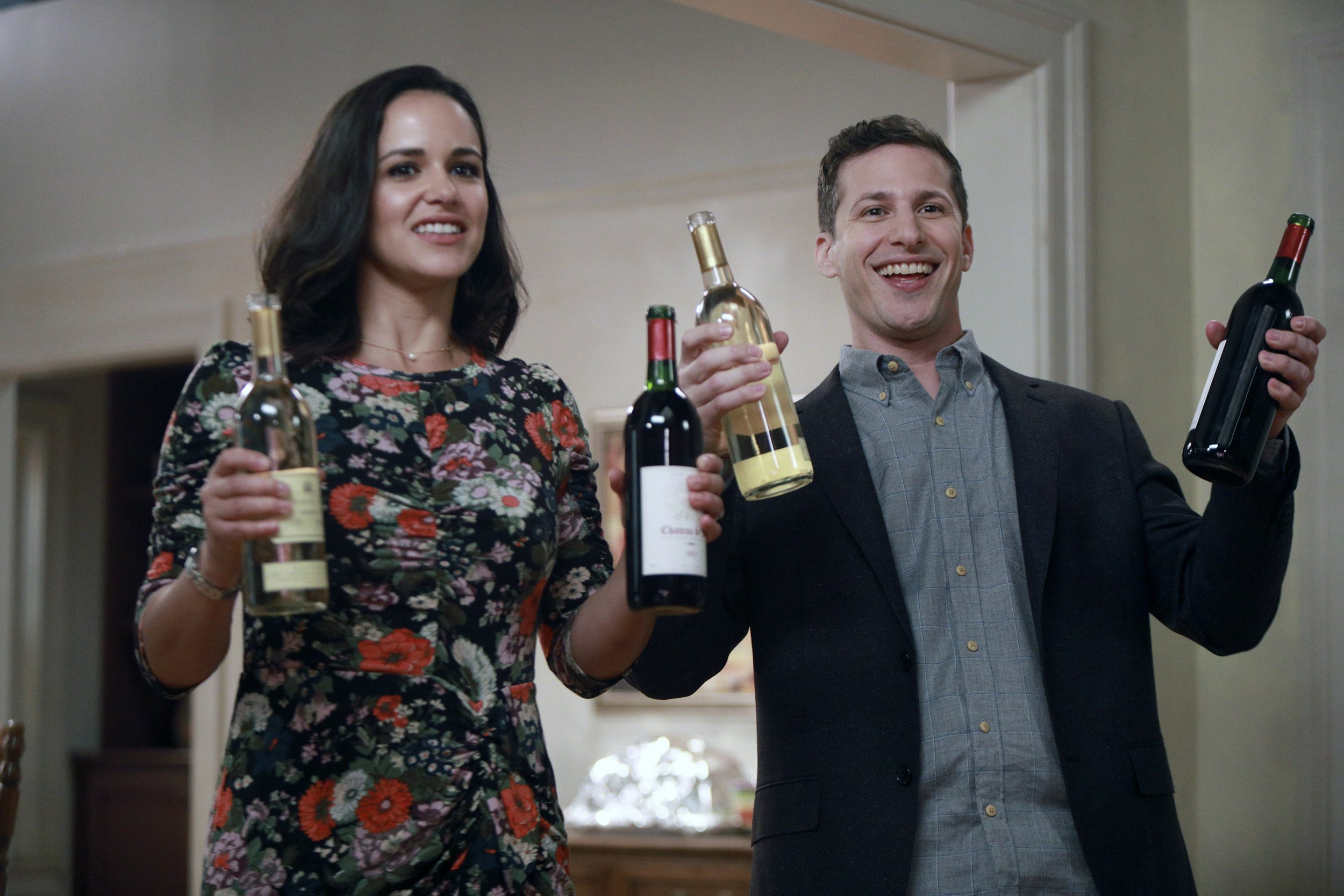 """BROOKLYN NINE-NINE -- """"Two Turkeys"""" Episode 508 -- Pictured: (l-r) Melissa Fumero as Amy Santiago, Andy Samberg as Jake Peralta -- (Photo by: Jordin Althaus/Fox/Universal Television/NBCU Photo Bank via Getty Images)"""