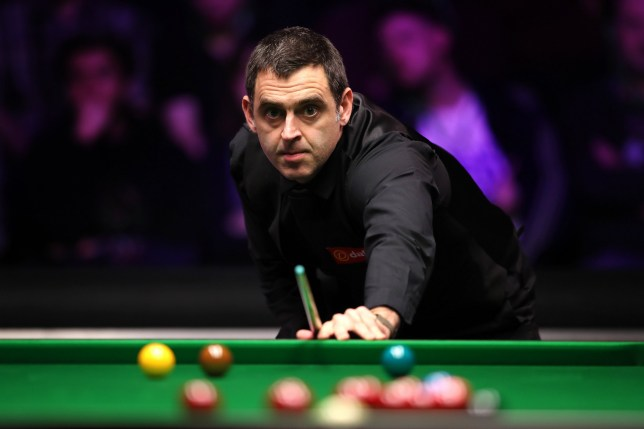 LONDON, ENGLAND - JANUARY 17: Ronnie O'Sullivan of England plays a shot during his quarter-final match against Ryan Day of Wales on day five of the 2019 Dafabet Masters at Alexandra Palace on January 17, 2019 in London, England. (Photo by Alex Pantling/Getty Images)