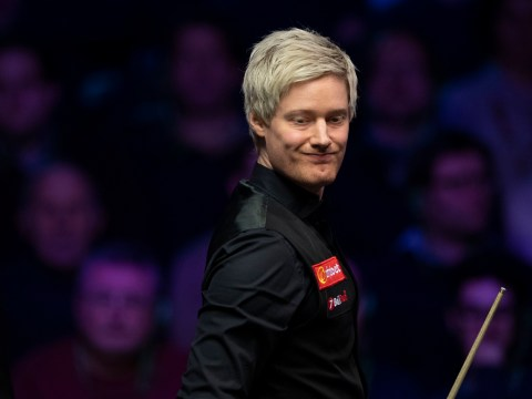 Neil Robertson loves the Masters atmosphere even when a boozy crowd makes it hard to concentrate