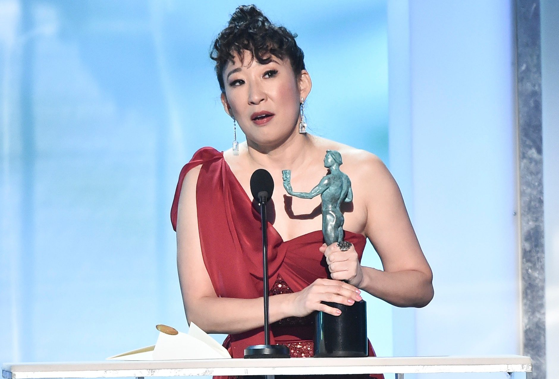 Screen Actors Guild Awards: Sandra Oh breaks down in tears over Killing Eve win