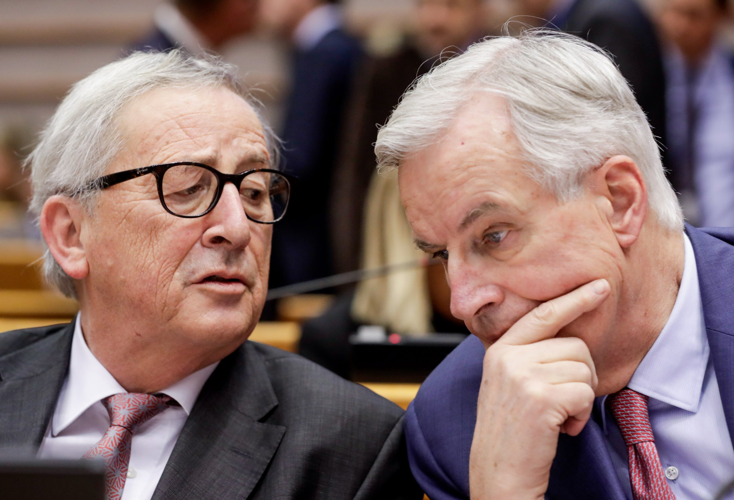 epa07331776 EU Brexit European Commission's Chief Negotiator Michel Barnier (R) and European Commission President Jean-Claude Juncker during a plenary session at the European Parliament in Brussels, Belgium, 30 January 2019. British parliamentarians voted on amendments to British Prime Minister May's Brexit deal. May is expected to go back to Brussels to seek changes to the Irish backstop. EPA/STEPHANIE LECOCQ