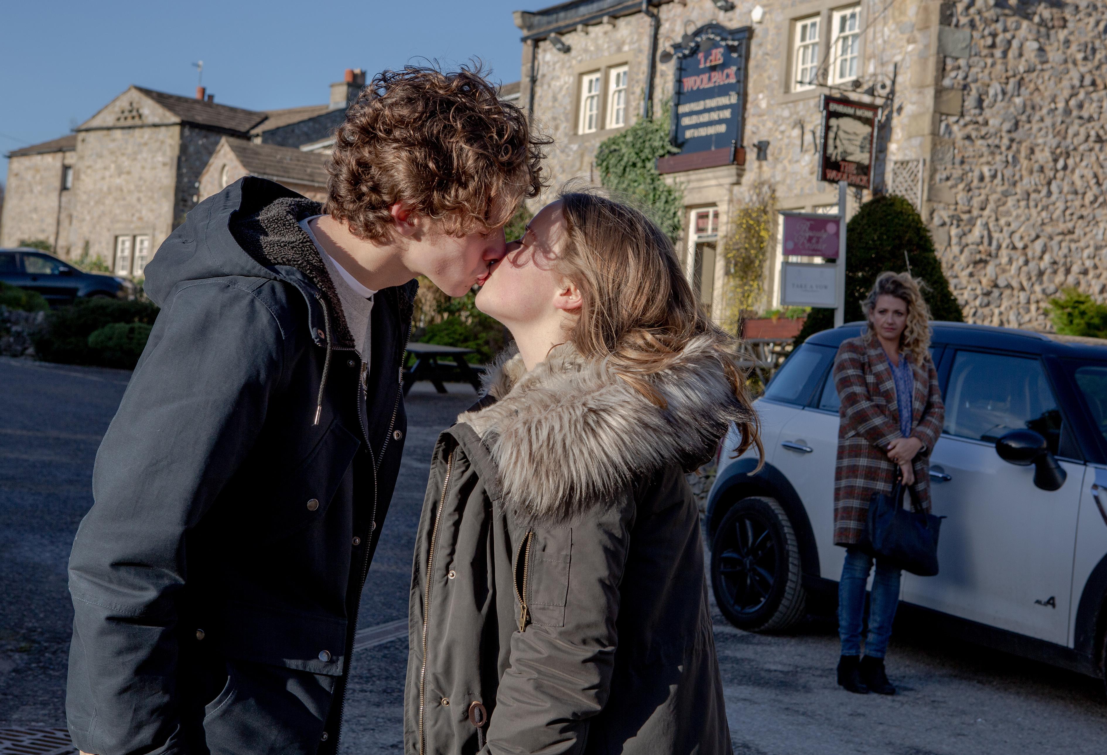 Emmerdale spoilers: Maya Stepney turns on Liv Flaherty over Jacob Gallagher kiss?
