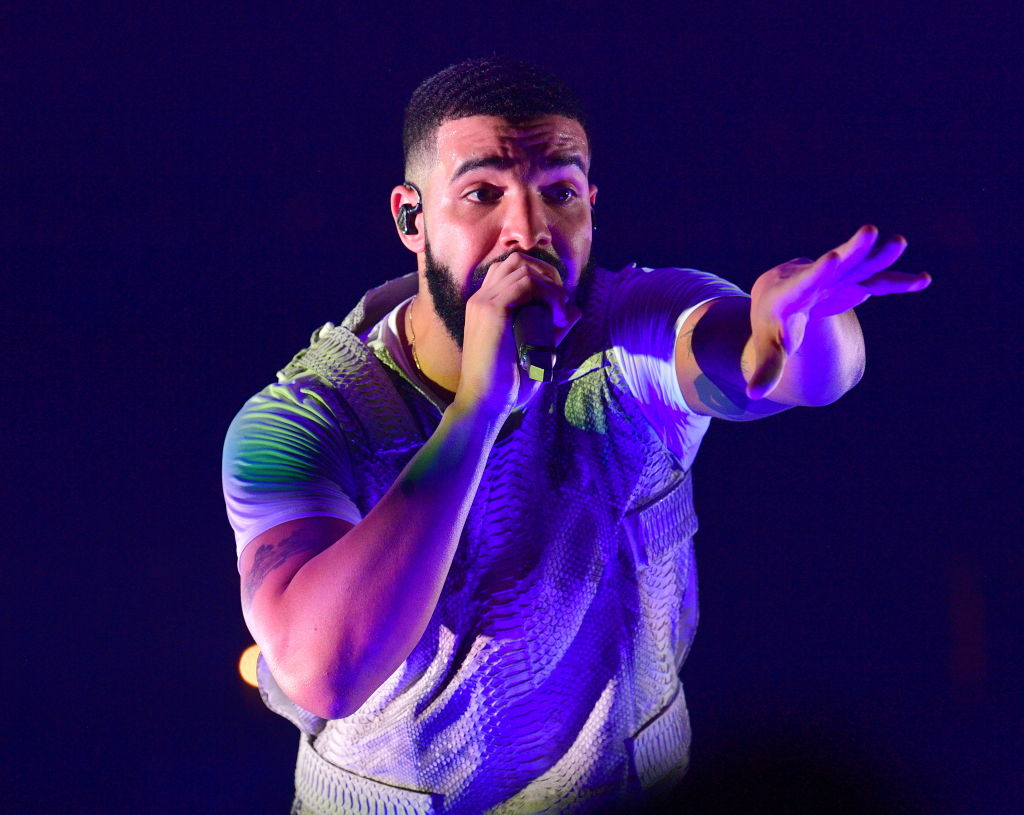 Drake provides budget-friendly gig as he crashes £25 Fredo concert in Manchester