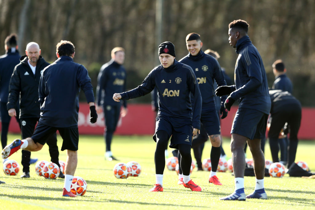 Victor Lindelof returns to Manchester United training ahead of PSG clash