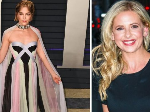 Sarah Michelle Gellar praises Selma Blair for 'facing MS diagnosis with dignity' as she rocks cane at Oscars