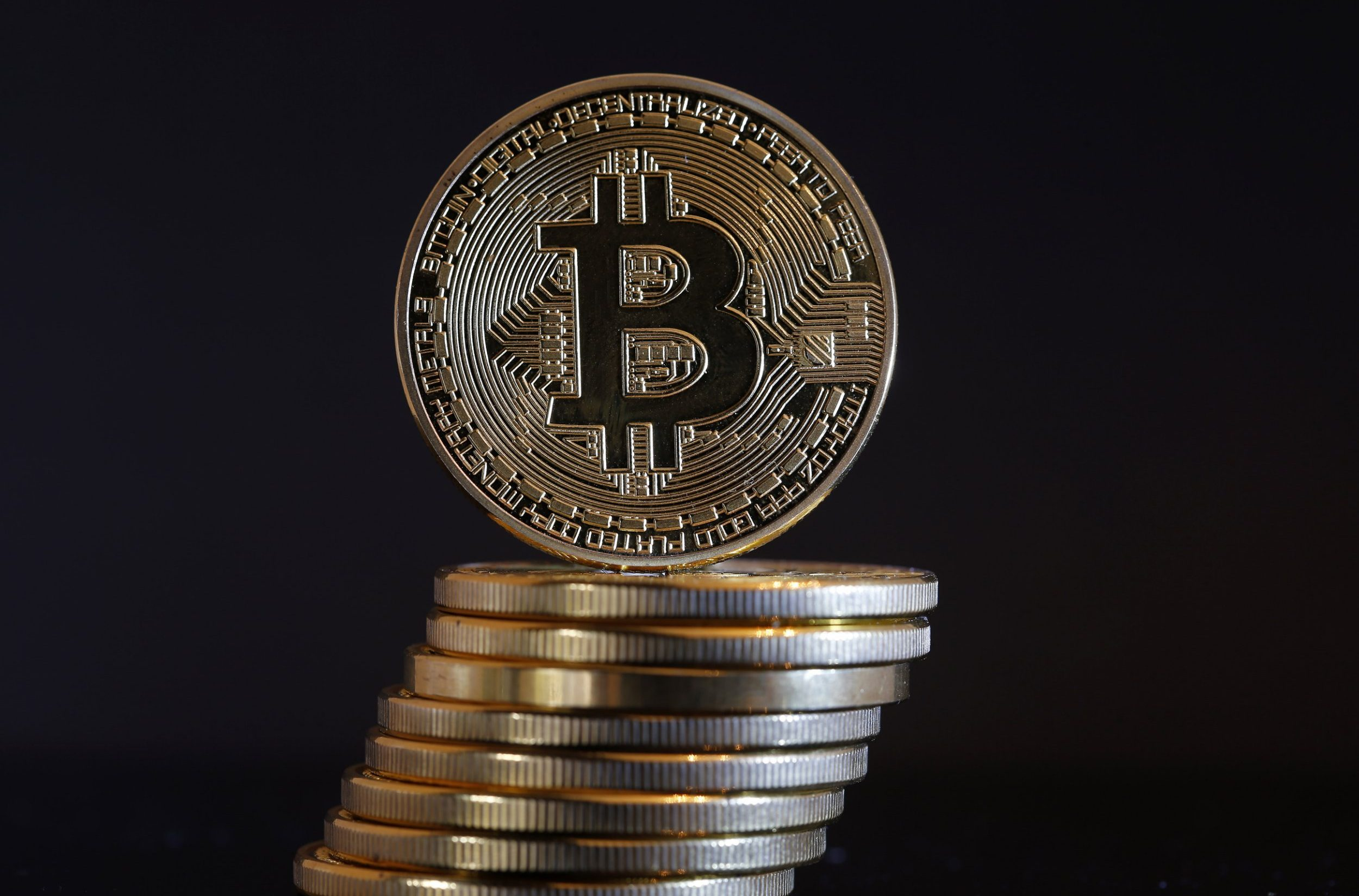 PARIS, FRANCE - NOVEMBER 19: In this photo illustration, a visual representation of the Bitcoin Digital Cryptocurrency is displayed on November 19, 2018 in Paris, France. Bitcoin is an electronic money that has seen an incredible increase in 2017, its price has risen up to 20,000 euros, but currently its price has dropped around 5,000 euros. (Photo Illustration by Chesnot/Getty Images)