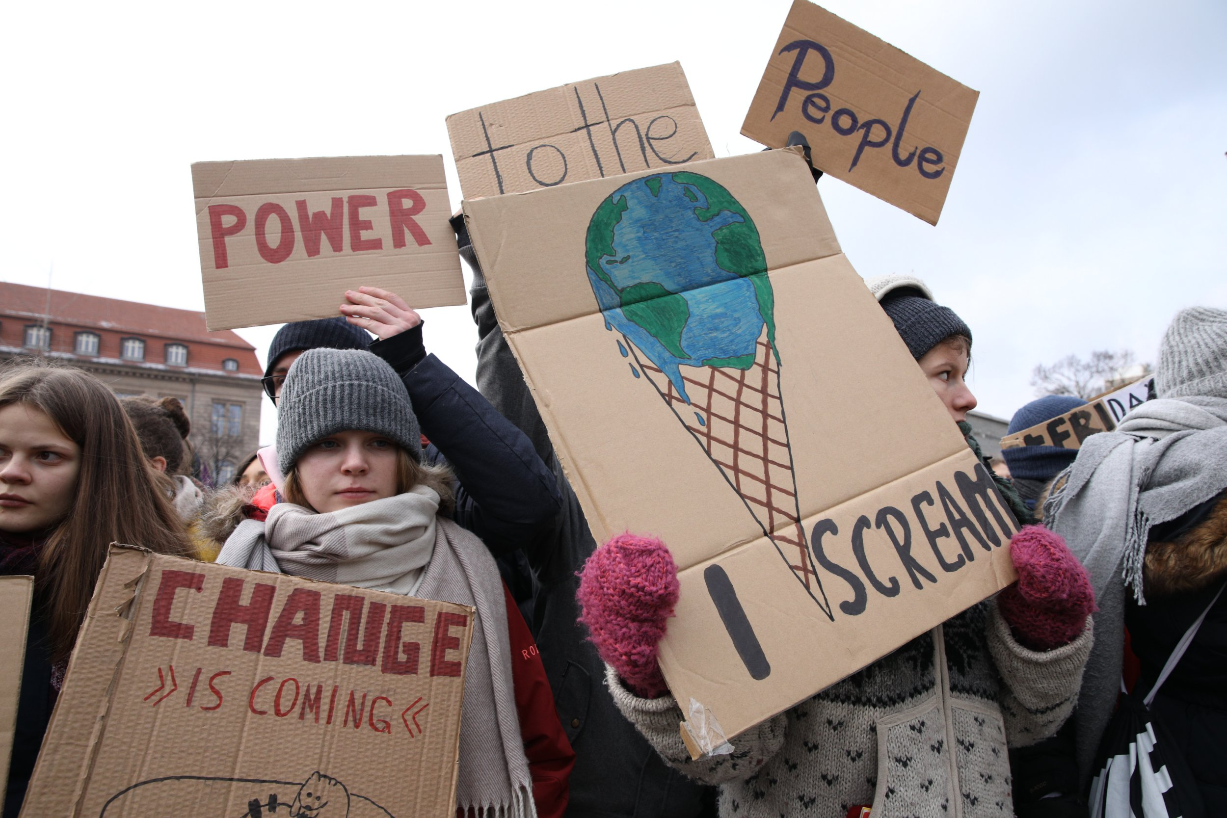 School pupils across UK pledge to 'strike' this week over climate change