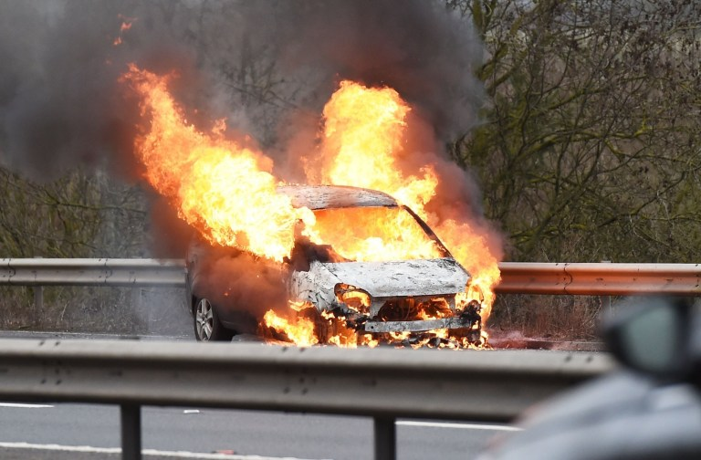 BGUK_1478331 - UK, UNITED KINGDOM - A car was spotted engulfed in flames causing major tailbacks on the M20 and with fire engines on the scene trying to tackle the blaze. Pictured: Car Engulfed in Flames on the M20 BACKGRID UK 6 FEBRUARY 2019 BYLINE MUST READ: ZJ / BACKGRID UK: +44 208 344 2007 / uksales@backgrid.com USA: +1 310 798 9111 / usasales@backgrid.com *UK Clients - Pictures Containing Children Please Pixelate Face Prior To Publication*