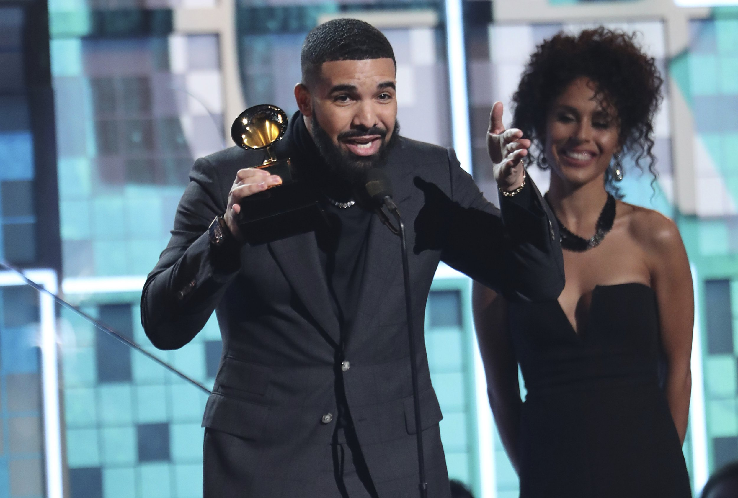 Drake's mic cut off during his Grammys acceptance speech as he critiques awards ceremonies