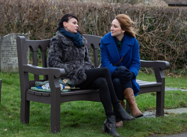 Laurel and Chas talk in Emmerdale