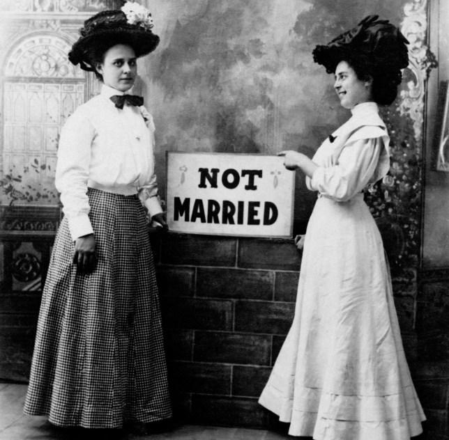 A man needs a maid tradução