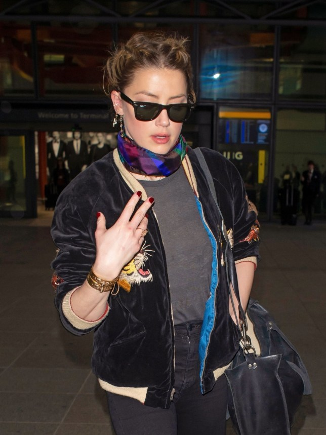 BGUK_1504225 - London, UNITED KINGDOM - *EXCLUSIVE* - American actress Amber Heard looks casually fashionable while pictured arriving in London. The Aquaman star has recently been doing charity work in Lebanon and Syria! Pictured: Amber Heard BACKGRID UK 1 MARCH 2019 *STRICTLY NOT AVAILABLE FOR ANY SUBSCRIPTION DEALS* UK: +44 208 344 2007 / uksales@backgrid.com USA: +1 310 798 9111 / usasales@backgrid.com *UK Clients - Pictures Containing Children Please Pixelate Face Prior To Publication*