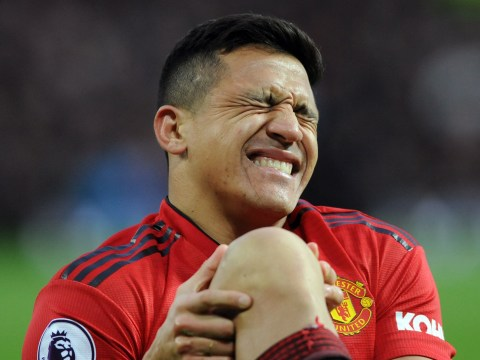 Alexis Sanchez set to miss majority of Manchester United's run-in with knee ligament injury