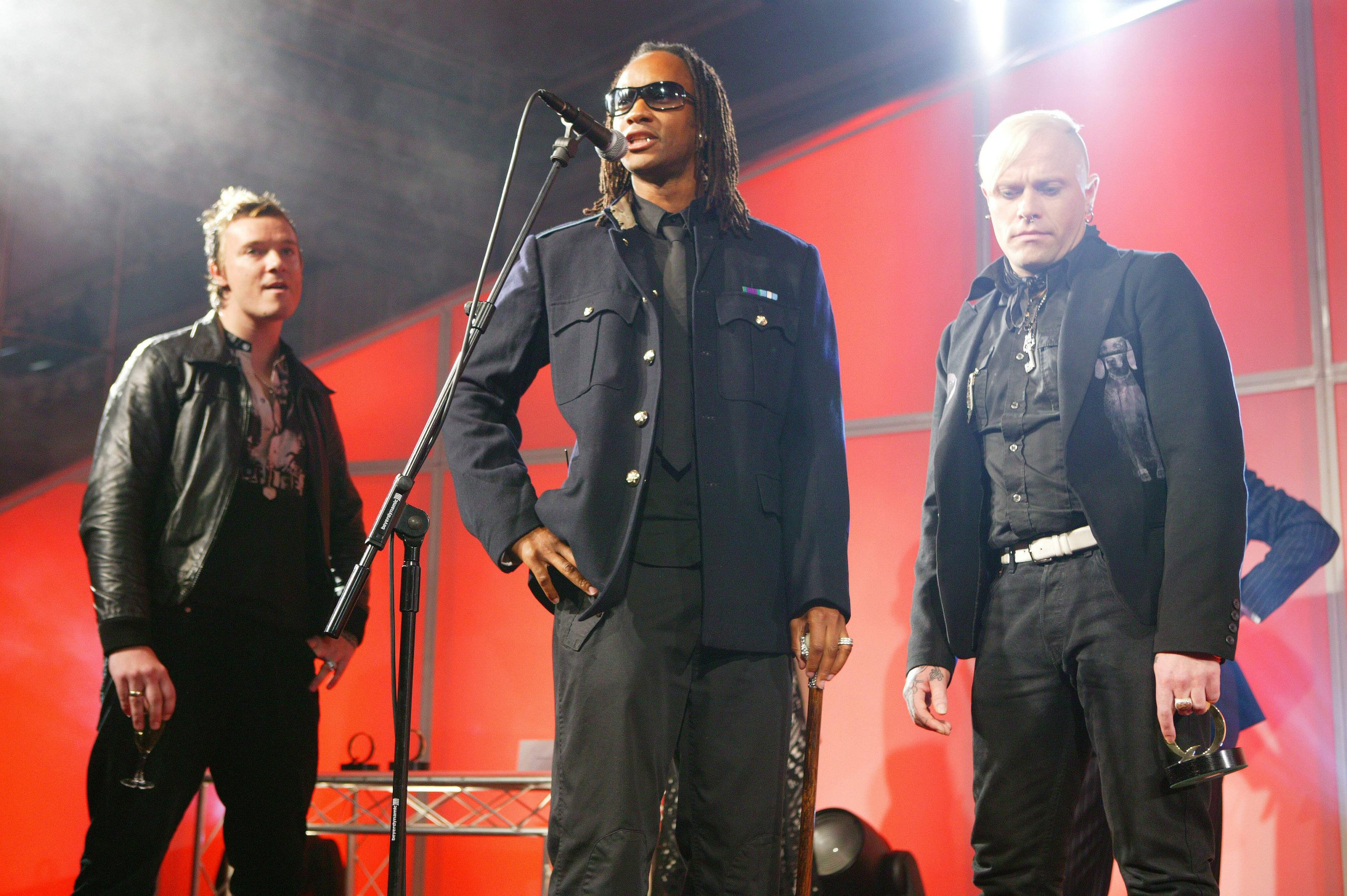 UNITED KINGDOM - OCTOBER 10: Q AWARDS Photo of PRODIGY, Liam Howlett, Maxim & Keith Flint (Photo by Mick Hutson/Redferns)