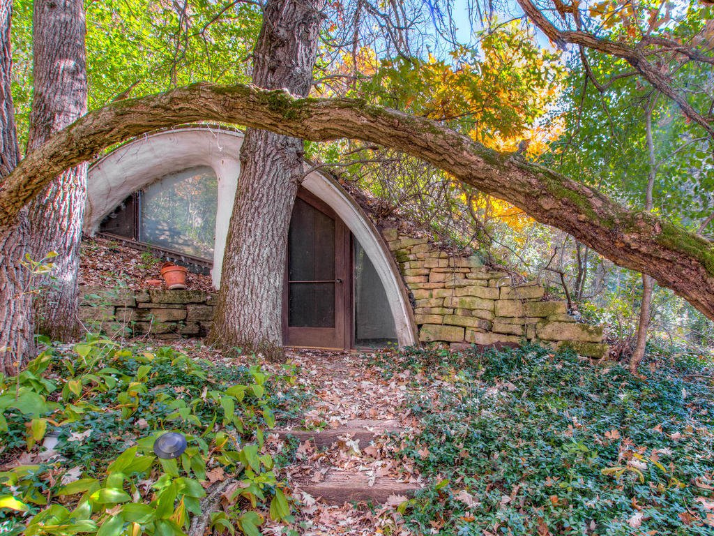 A tiny hobbit home in the earth is selling for £145,000