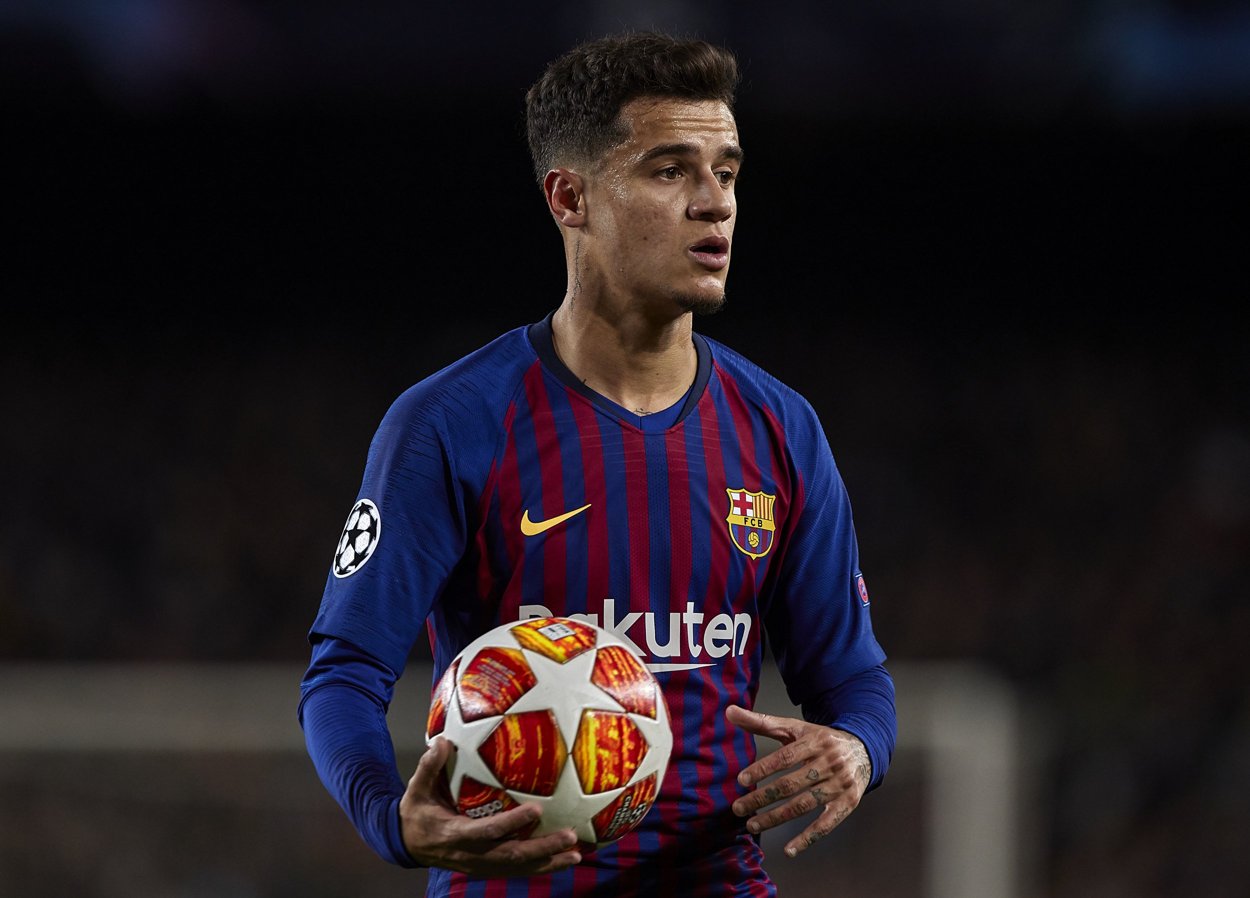 BARCELONA, SPAIN - MARCH 13: Philippe Coutinho of FC Barcelona looks on with the ball during the UEFA Champions League Round of 16 Second Leg match between FC Barcelona and Olympique Lyonnais at Nou Camp on March 13, 2019 in Barcelona, Spain. (Photo by Quality Sport Images/Getty Images)