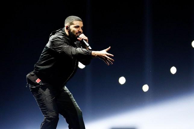 SYDNEY, AUSTRALIA - NOVEMBER 07: Drake performs at Qudos Bank Arena on November 7, 2017 in Sydney, Australia. (Photo by Lagerhaus/WireImage)