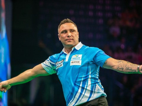 Watch Daryl Gurney and Gerwyn Price have to be separated on Premier League Darts stage after getting physical