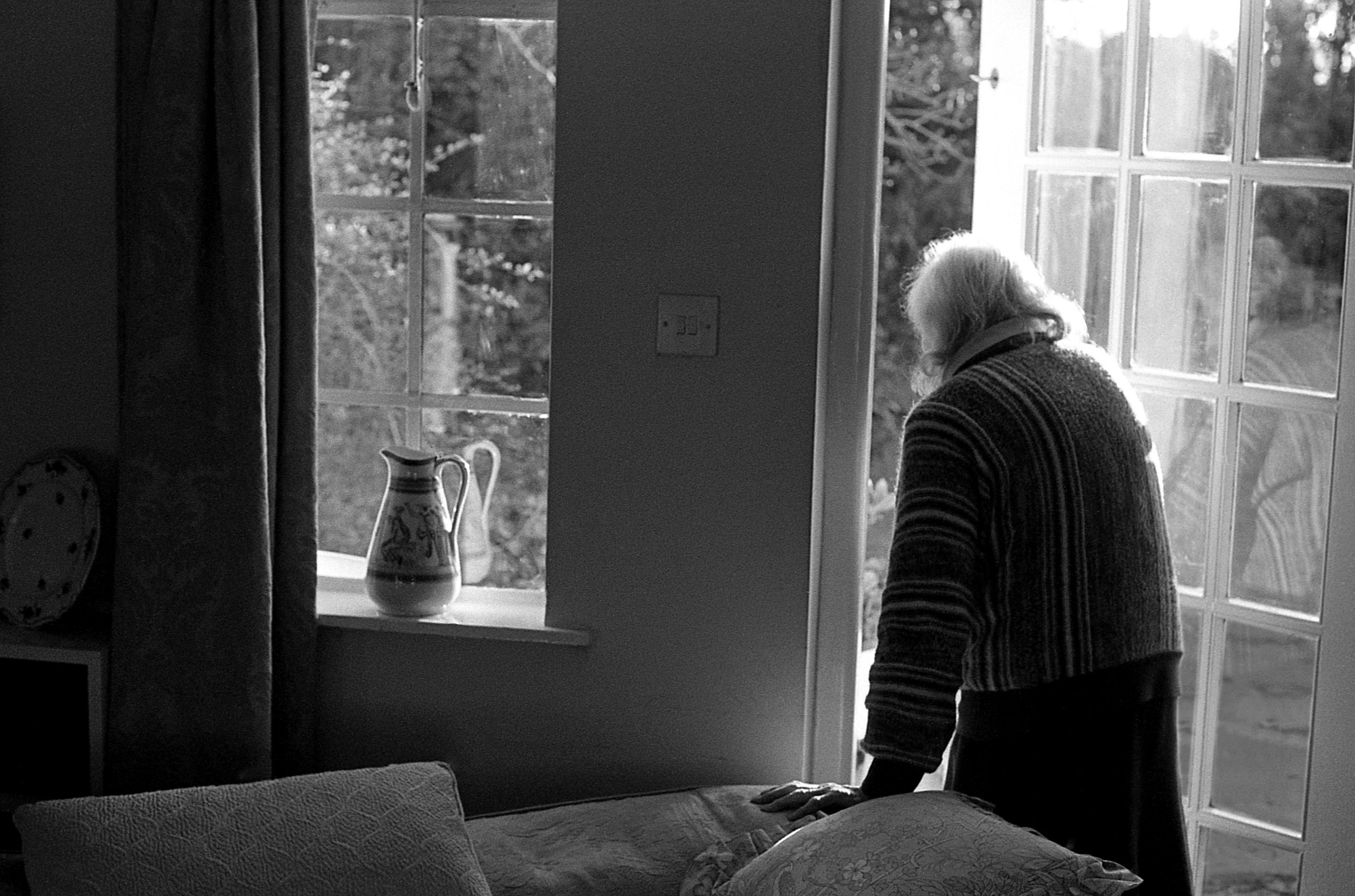 (1) Photographs of the last ten years parents spent together. Paddy Summerfield photographed his parents for years - his mother developed Alzheimers disease, and his father was her sole carer. It is a story of love, of friendship, of loss.