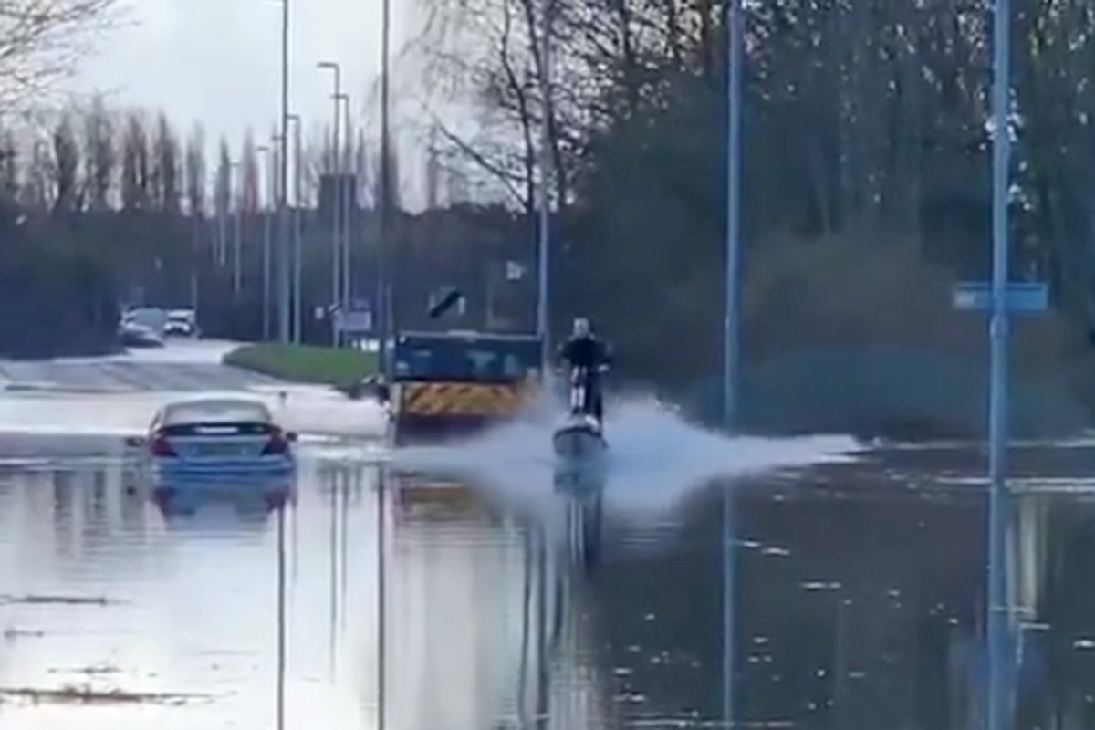 Jet Ski during flooding in Allerton Bywater, Yorkshire (Picture: YappApp/Facebook)