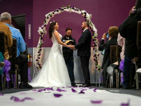 Recovered meth addicts get married at their gym after beating addiction with fitness